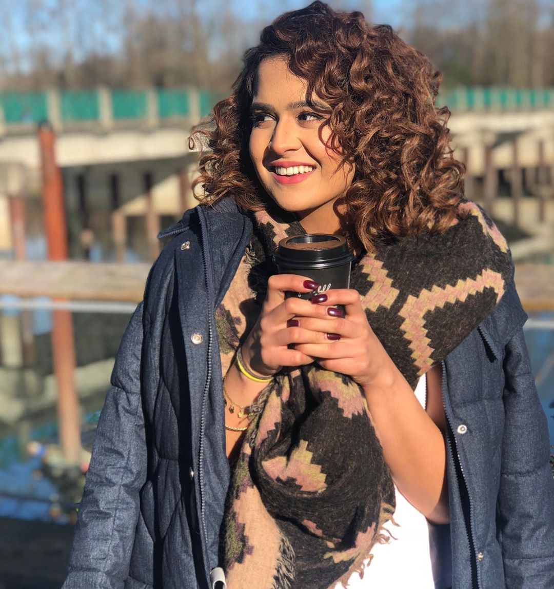 Cute Pictures Roopi Gill