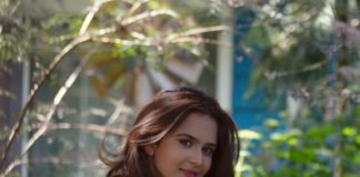 Roopi Gill cute pics