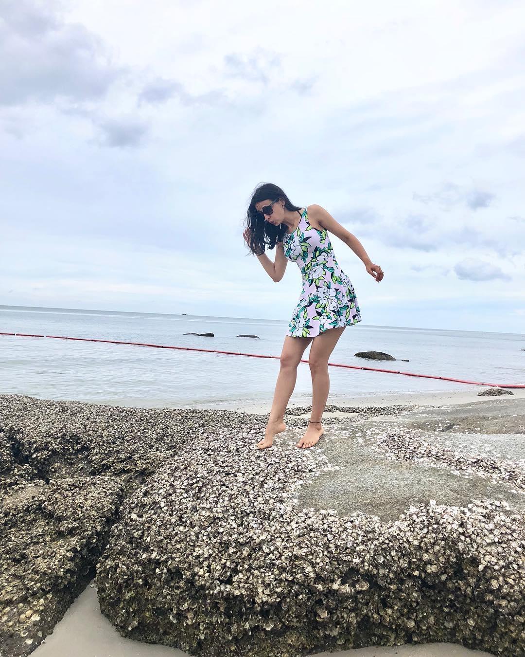 TV actress Sanaya Irani hot bikini Photoshoot