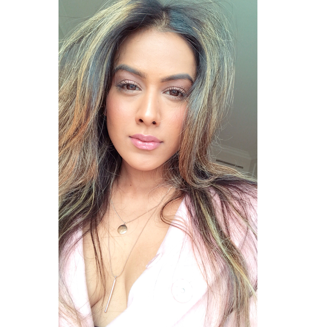 Hot & Sexy Photo's of Nia Sharma