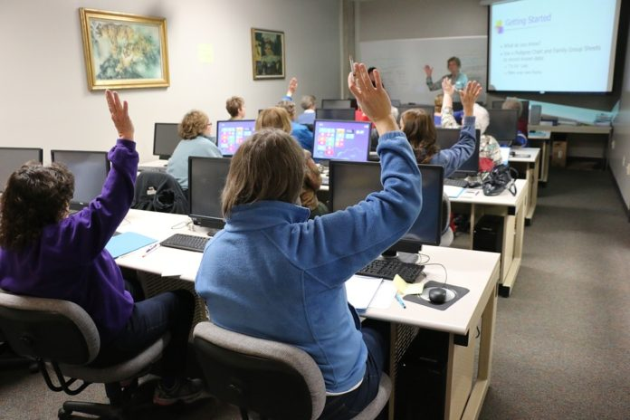 5 BENEFITS OF TECHNOLOGY IN THE CLASSROOM