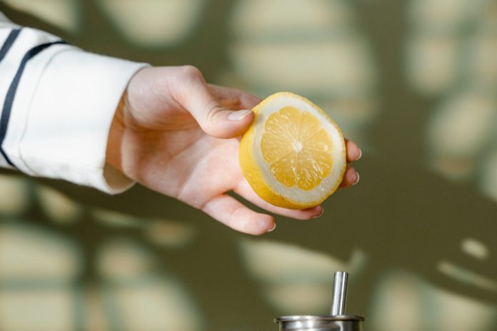 8 Simple Ways to Use Lemon for Hair Growth