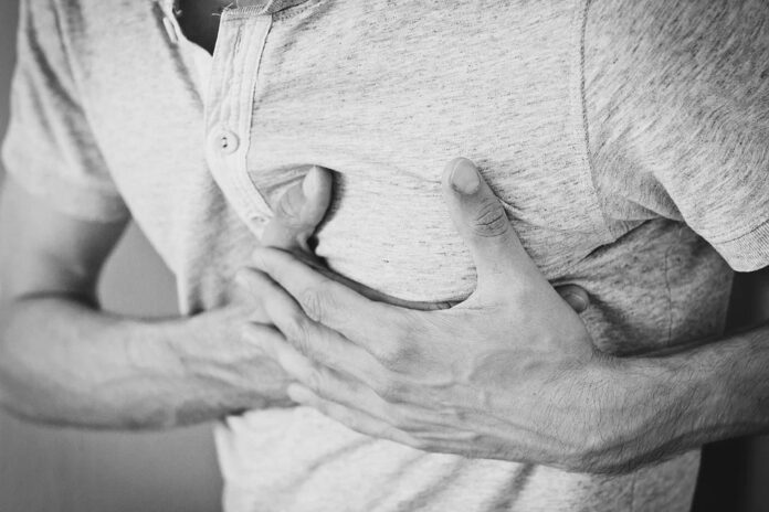 5 Signs Of Heart Attack You Should Never Ignore